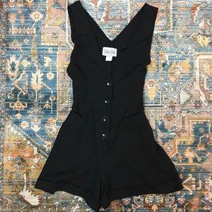 90s VTG Black Sleeveless Romper ~S